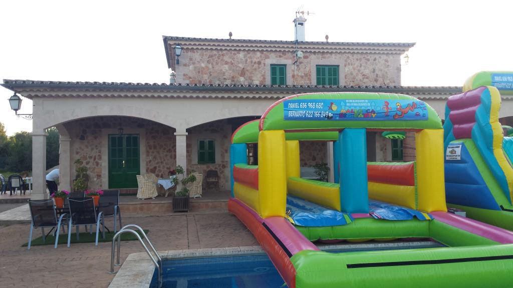 Castillos hinchables acuáticos en Mallorca